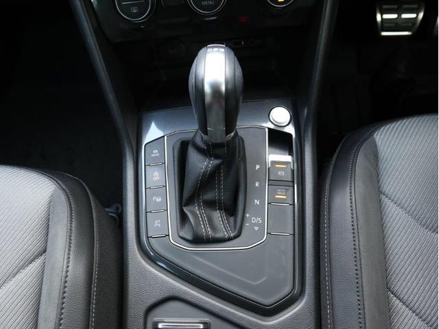 TSI Rライン デジタルメーター ヘッドアップディスプレイ アラウンドビューカメラ パークングアシスト 電動リヤゲート 19インチアルミホール付き 禁煙 認定中古車(26枚目)