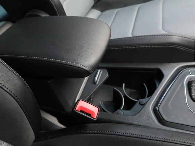 TSI Rライン デジタルメーター ヘッドアップディスプレイ アラウンドビューカメラ パークングアシスト 電動リヤゲート 19インチアルミホール付き 禁煙 認定中古車(30枚目)
