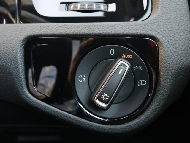 TCR LEDヘッドライト デジタルメーター 追従型クルーズコントロールACC パドルシフト 19インチアルミホール ダイナミックターンインジケーター 専用マフラー付 禁煙 認定中古車(18枚目)