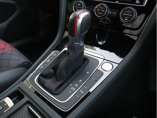 TCR LEDヘッドライト デジタルメーター 追従型クルーズコントロールACC パドルシフト 19インチアルミホール ダイナミックターンインジケーター 専用マフラー付 禁煙 認定中古車(25枚目)