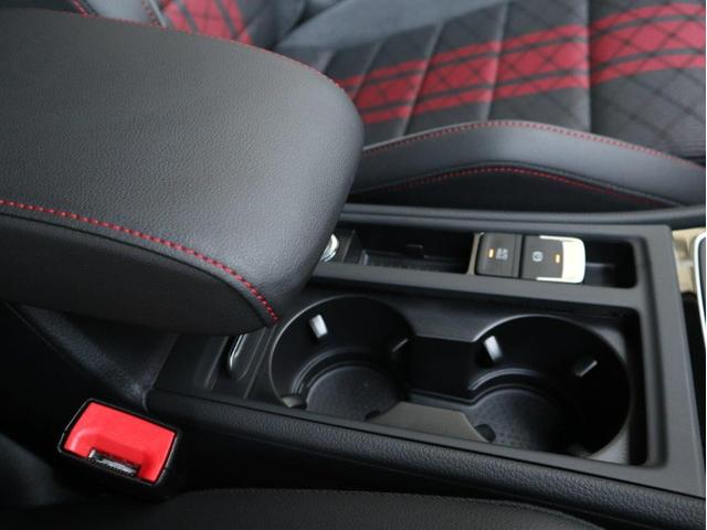 TCR LEDヘッドライト デジタルメーター 追従型クルーズコントロールACC パドルシフト 19インチアルミホール ダイナミックターンインジケーター 専用マフラー付 禁煙 認定中古車(26枚目)