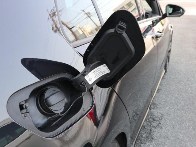 TCR LEDヘッドライト デジタルメーター 追従型クルーズコントロールACC パドルシフト 19インチアルミホール ダイナミックターンインジケーター 専用マフラー付 禁煙 認定中古車(43枚目)