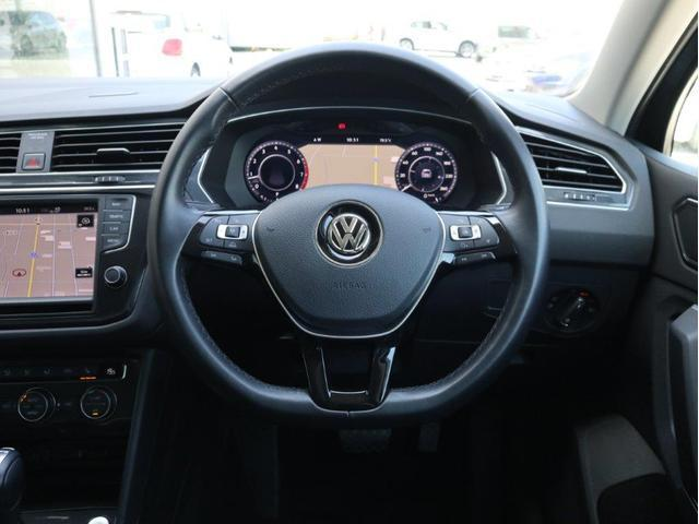 TSI ハイライン LEDヘッドアップ デジタルメーター 追従型クルーズコントロールACC レーンアシスト Bluetooth シートヒーター付き 禁煙 認定中古車(14枚目)