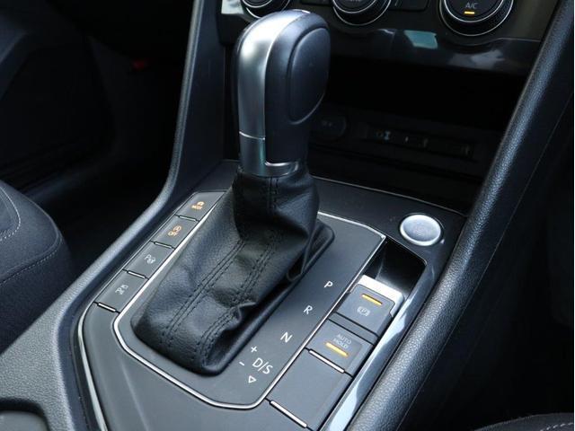 TSI ハイライン LEDヘッドアップ デジタルメーター 追従型クルーズコントロールACC レーンアシスト Bluetooth シートヒーター付き 禁煙 認定中古車(27枚目)