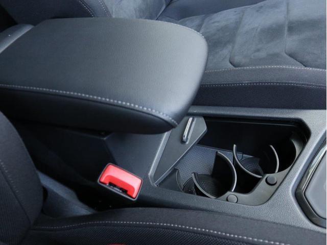 TSI ハイライン LEDヘッドアップ デジタルメーター 追従型クルーズコントロールACC レーンアシスト Bluetooth シートヒーター付き 禁煙 認定中古車(30枚目)