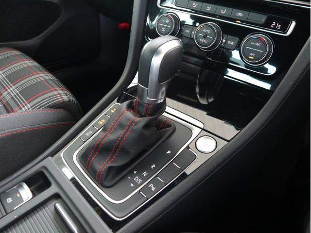 ダイナミック LEDヘッドライト デジタルメーター ダイナミックターンインジケーター 追従型クルーズコントロールACC パドルシフト付き ワンオーナー 禁煙 2.0ターボ 認定中古車(27枚目)