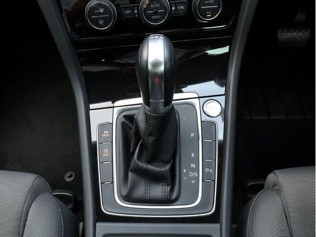 TSIハイラインブルーモーションテクノロジー バイキセノンヘッドライト レーンアシスト 追従型クルーズコントロールACC スマートキー プッシュスタートボタン 障害物センサー ブルートゥース付 禁煙 認定中古車(26枚目)