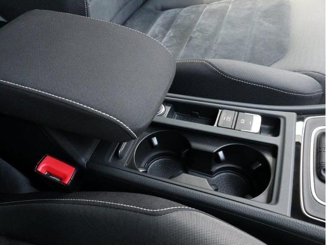 TSIハイラインブルーモーションテクノロジー バイキセノンヘッドライト レーンアシスト 追従型クルーズコントロールACC スマートキー プッシュスタートボタン 障害物センサー ブルートゥース付 禁煙 認定中古車(29枚目)