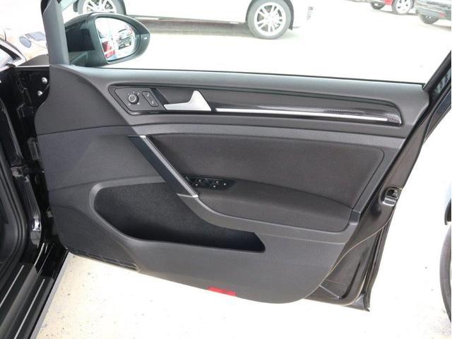 TSIハイラインブルーモーションテクノロジー バイキセノンヘッドライト レーンアシスト 追従型クルーズコントロールACC スマートキー プッシュスタートボタン 障害物センサー ブルートゥース付 禁煙 認定中古車(45枚目)