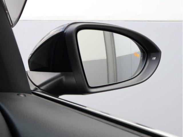 TSIハイラインブルーモーションテクノロジー バイキセノンヘッドライト レーンアシスト 追従型クルーズコントロールACC スマートキー プッシュスタートボタン 障害物センサー ブルートゥース付 禁煙 認定中古車(47枚目)