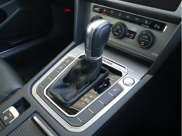 TDI 4モーション アドバンス LEDヘッドライト デジタルメーター 追従型クルーズコントロール レザーシート シートヒーター シートベンチレーション アラウンドビューカメラ 電動リヤゲート 障害物センサー付1オーナー禁煙認定中古車(28枚目)