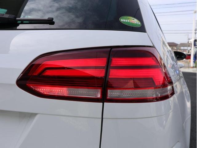 TSIハイライン テックエディション LEDヘッドライト 追従型クルーズコントロール レーンアシスト デジタルメーター パドルシフト 前後衝突軽減ブレーキ純正ナビ バックカメラ アップコネクト ブルートゥース付き 1オーナー 禁煙車(13枚目)