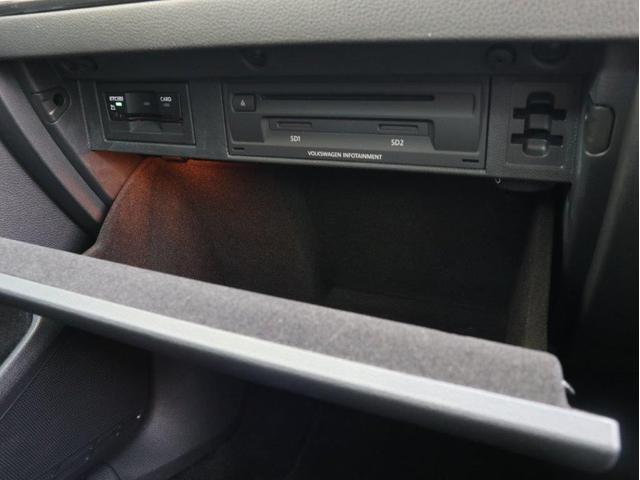 TSIハイライン テックエディション LEDヘッドライト 追従型クルーズコントロール レーンアシスト デジタルメーター パドルシフト 前後衝突軽減ブレーキ純正ナビ バックカメラ アップコネクト ブルートゥース付き 1オーナー 禁煙車(29枚目)