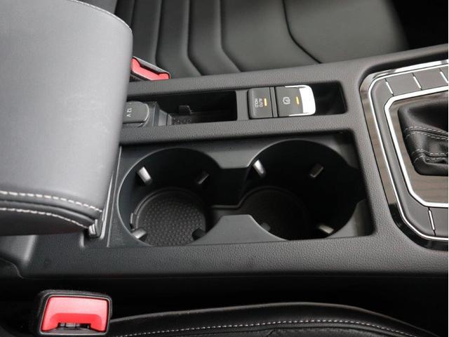 TSI 4モーション Rラインアドバンス ディナウディオ サンルーフ ブラックレザー デジタルメーター ACC ヘッドアップディスプレイ アラウンドビューカメラ 電動リヤゲート 駐車支援システム 障害物センサー 20インチAW 禁煙認定中古車(31枚目)