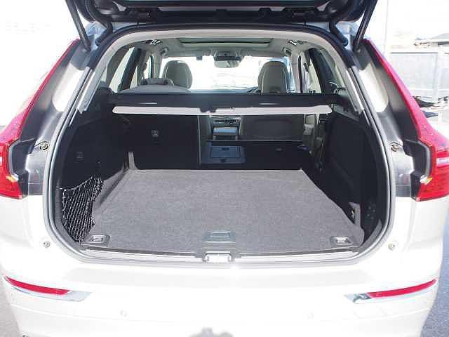 D4 AWD インスクリプション 電子制御エアサスペンション(16枚目)