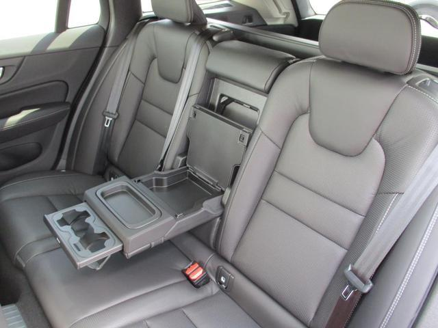 T6 ツインエンジン AWD インスクリプション 2020年モデル プラグインハイブリッド チルトアップ機構付電動パノラマガラスサンルーフ AppleCarPlayAndroidoAuto アダプティブクルーズコントロール(19枚目)