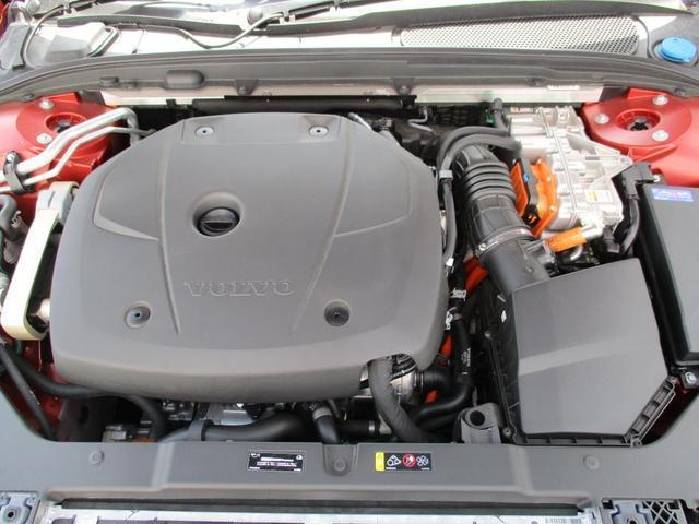 T6 ツインエンジン AWD インスクリプション 2020年モデル プラグインハイブリッド チルトアップ機構付電動パノラマガラスサンルーフ AppleCarPlayAndroidoAuto アダプティブクルーズコントロール(29枚目)