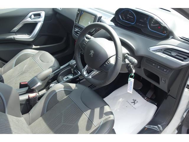 クロスシティ カープレイ アンドロイドオート 新車保証(4枚目)