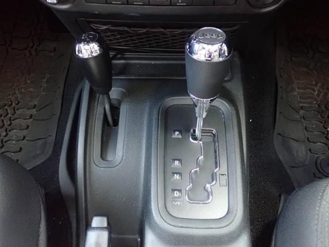 アンリミテッド 新車保証継承プラス認定中古車保証1年付き(13枚目)