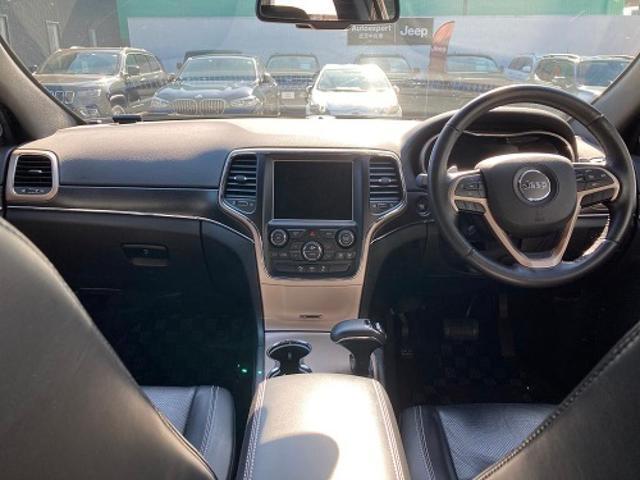 リミテッド 認定中古車保証付 整備有 4WD 純正ナビゲーション レザーシート ETC バックカメラ シートヒーター ルーフレール  パワーシート 電動リフトゲート 前面衝突軽減ブレーキ エアサスペンション(9枚目)