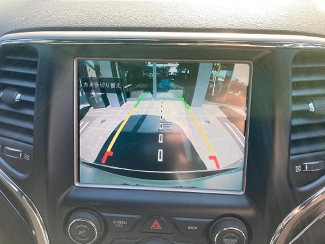 リミテッド 認定中古車保証付 整備有 4WD 純正ナビゲーション レザーシート ETC バックカメラ シートヒーター ルーフレール  パワーシート 電動リフトゲート 前面衝突軽減ブレーキ エアサスペンション(11枚目)