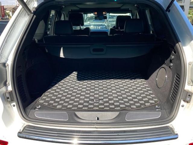 リミテッド 認定中古車保証付 整備有 4WD 純正ナビゲーション レザーシート ETC バックカメラ シートヒーター ルーフレール  パワーシート 電動リフトゲート 前面衝突軽減ブレーキ エアサスペンション(19枚目)
