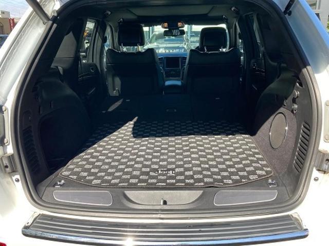 リミテッド 認定中古車保証付 整備有 4WD 純正ナビゲーション レザーシート ETC バックカメラ シートヒーター ルーフレール  パワーシート 電動リフトゲート 前面衝突軽減ブレーキ エアサスペンション(20枚目)