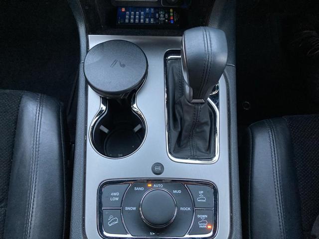 アルティテュード 認定中古車保証整備付き 4WD 純正ナビゲーション バックカメラ ETC2.0 ブラックフロントグリル 純正ブラックアルミホイール エアサスペンション ルーフレール ハーフレザーシート シートヒーター(19枚目)