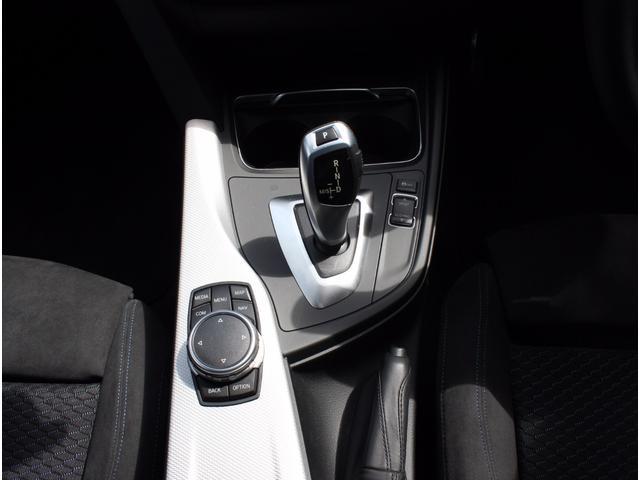 BMW BMW 318i Mスポーツ アルミブラック 18インチ バックカメ