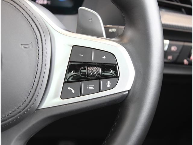 M135i xDrive 弊社元デモカー ビジョンパッケージ パノラマガラスサンルーフ付(40枚目)