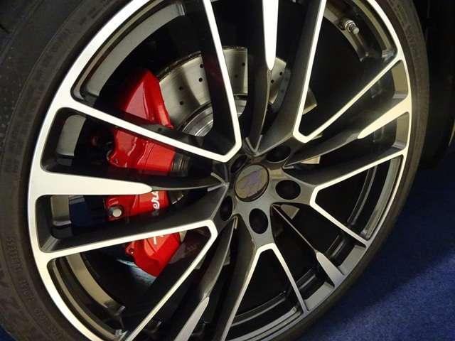 トロフェオ V8 フェラーリエンジン 22インチホイール(17枚目)
