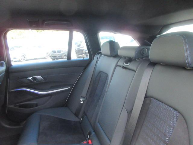 320d xDriveツーリング Mスポーツ コンフォートPKG 電動トランク LEDヘッドライト ワイヤレスチャージ シートヒーター 18インチAW ドライブレコーダー ワンオーナー禁煙車 2年保証(13枚目)