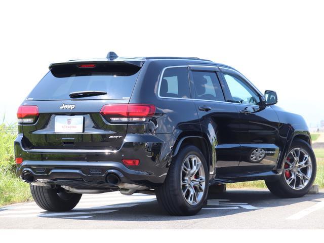 SRT8 黒革 アルカンターラSRT専用スポーツシート 8.4incワイドディスプレイ Brembo製ブレーキ パノラマサンルーフ harman kardon パワートランク SRT専用ワイドボディ(37枚目)