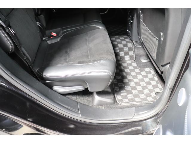 SRT8 黒革 アルカンターラSRT専用スポーツシート 8.4incワイドディスプレイ Brembo製ブレーキ パノラマサンルーフ harman kardon パワートランク SRT専用ワイドボディ(44枚目)