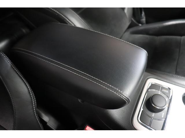 SRT8 黒革 アルカンターラSRT専用スポーツシート 8.4incワイドディスプレイ Brembo製ブレーキ パノラマサンルーフ harman kardon パワートランク SRT専用ワイドボディ(55枚目)