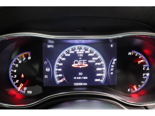 SRT8 黒革 アルカンターラSRT専用スポーツシート 8.4incワイドディスプレイ Brembo製ブレーキ パノラマサンルーフ harman kardon パワートランク SRT専用ワイドボディ(67枚目)