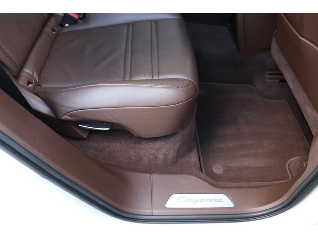 ターボ スポーツクロノパッケージ パノラマSR Exclusive Design 21AW LEDマトリクスヘッド PCCB 18WAY調整式トリュフブラウンレザーシート カーボンインテリア 新車保証(47枚目)