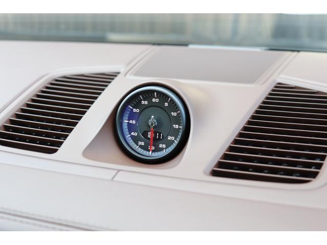 ターボ スポーツクロノパッケージ パノラマSR Exclusive Design 21AW LEDマトリクスヘッド PCCB 18WAY調整式トリュフブラウンレザーシート カーボンインテリア 新車保証(63枚目)