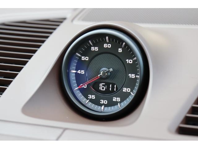 ターボ スポーツクロノパッケージ パノラマSR Exclusive Design 21AW LEDマトリクスヘッド PCCB 18WAY調整式トリュフブラウンレザーシート カーボンインテリア 新車保証(72枚目)