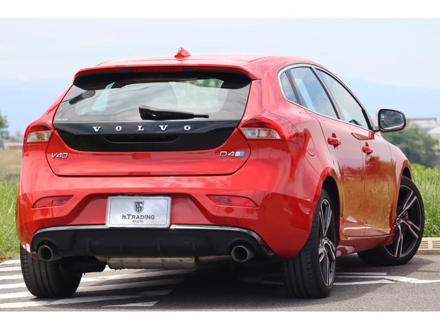D4 Rデザイン ポールスターエディション 150台限定車 Rデザイン専用パフォーレーテッドレザー Rデザイン専用ダイヤモンドカット18AW(マットブラック塗装) トールハンマーLED harman/kardon パフォーマンス・エキゾースト(32枚目)