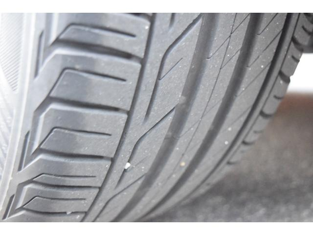 タイヤ溝残量十分御座います