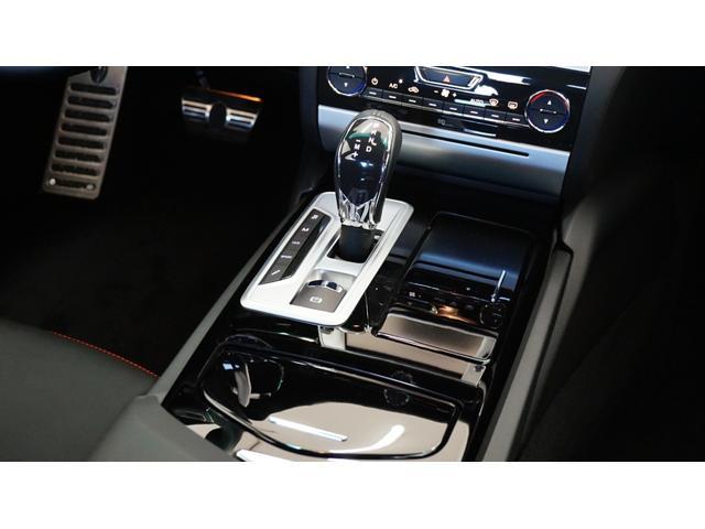 GT S 左ハンドル ワンオーナー 黒革 V8エンジン(11枚目)