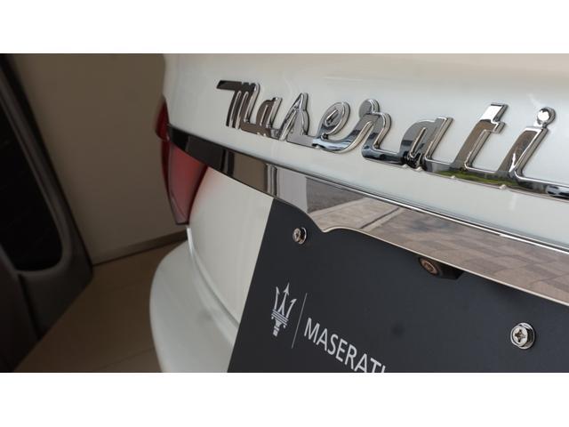 スポーツ MCオートシフト 茶革・20インチトライデントホイール・ビアンコフジスペシャルカラー・ブライアーウッドインテリアトリム・アルカンタラルーフライニング・BOSEサウンドシステム(34枚目)