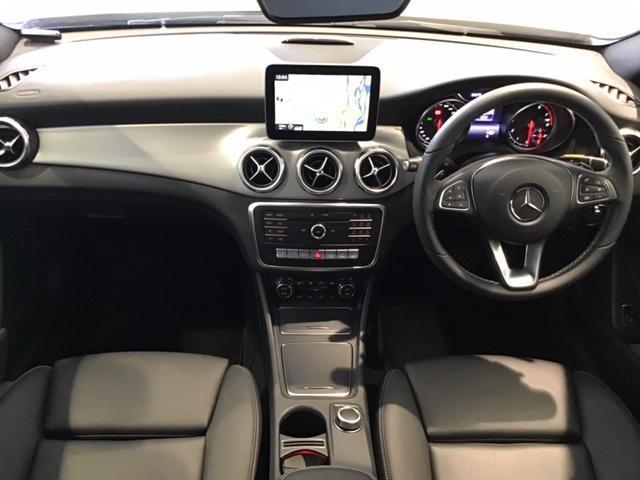 GLA180 プレミアムパッケージ サンルーフ付 認定中古車(5枚目)
