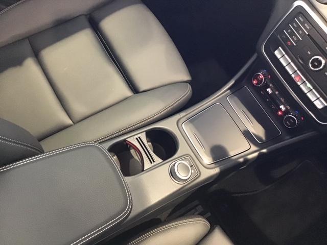 GLA180 プレミアムパッケージ サンルーフ付 認定中古車(20枚目)