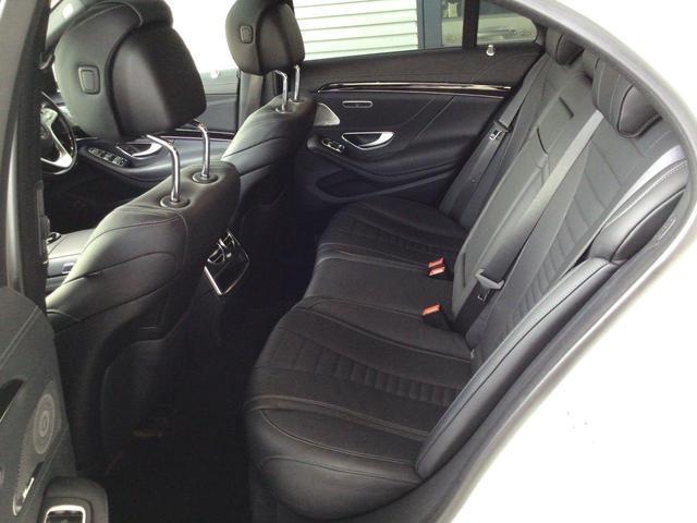 S400d レザーエクスクルーシブパッケージ パノラミックスライディングルーフ AMGラインプラス 360°カメラシステム  ヘッドアップディスプレイ 純正ドライブレコーダー 認定中古車(12枚目)