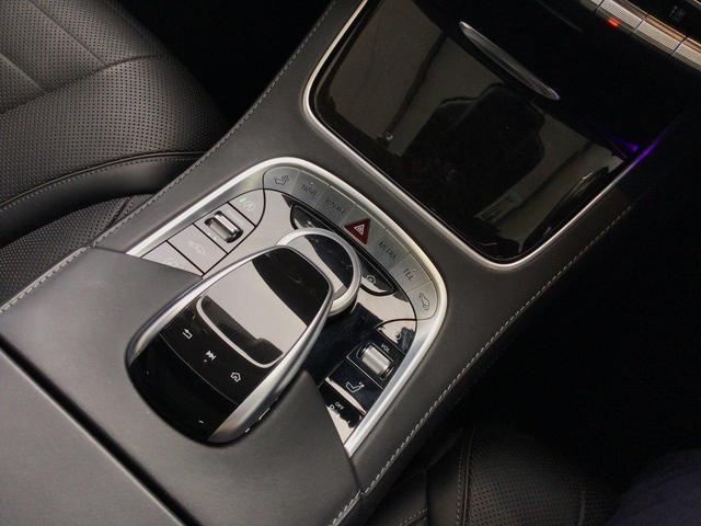 S400d レザーエクスクルーシブパッケージ パノラミックスライディングルーフ AMGラインプラス 360°カメラシステム  ヘッドアップディスプレイ 純正ドライブレコーダー 認定中古車(21枚目)