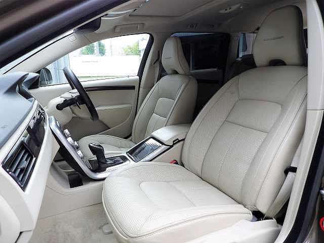 ボルボ ボルボ V70 T4 クラシック 最終モデル 正規認定中古車 本革シート