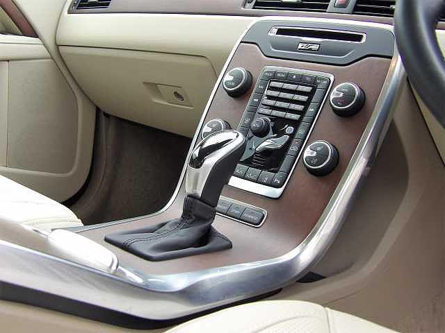 T6 AWD 正規認定中古車(7枚目)