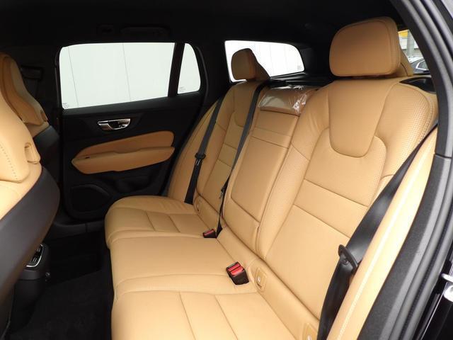 クロスカントリー T5 AWD プロ 本革シート ベンチレーション・マッサージ機能付き ヘッドアップディスプレイ 360度バックカメラ 安全装置標準装備(9枚目)